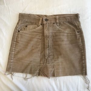 Levi's tan corduroy skirt